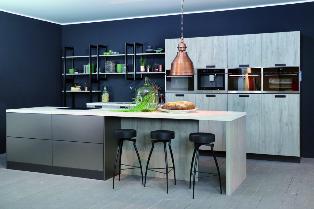 Rotpunk Metallic Look Pearl and Sherwood Mahattan Wood Island Kitchen | Kitchen Revolutions