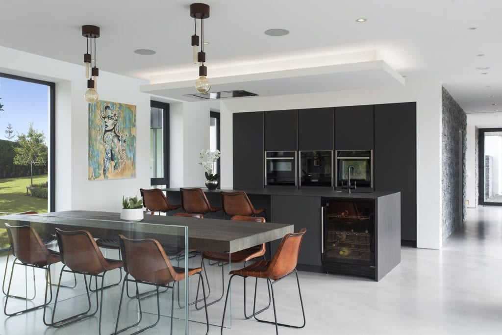 Contemporary black kitchen Design Yard