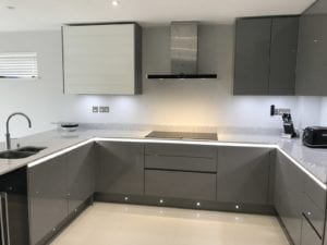 Gloss Lacquer Handleless Kitchen