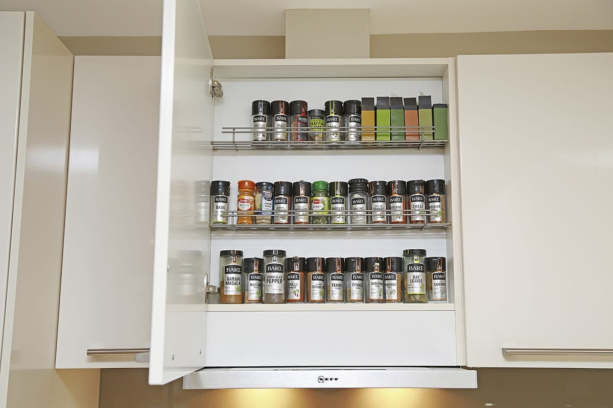 Telescopic extractor with integrated spice shelf | Right Choice Kitchens, Pontypool