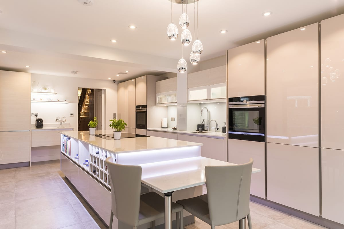 2. Cashmere gloss lacquer kitchen finish - Wooden Heart of Weybridge