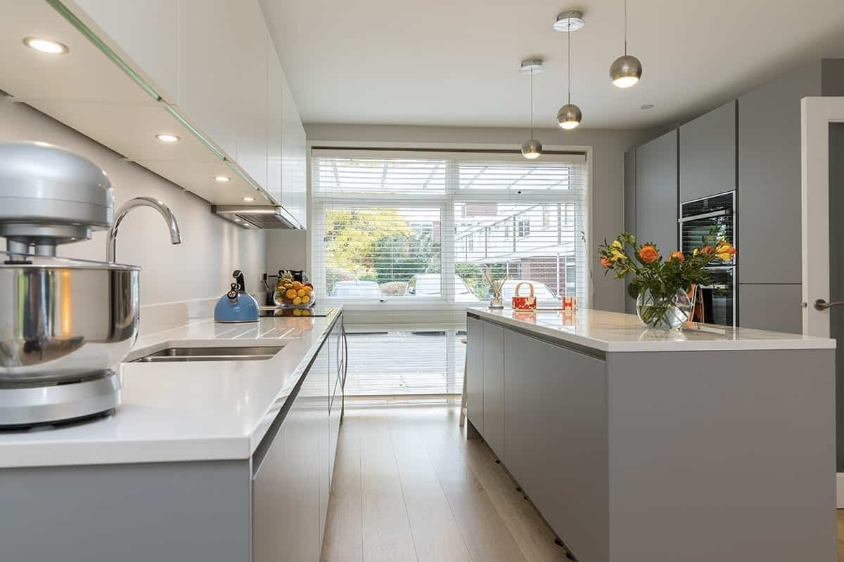 Under Cabinet Spot Lights With Pendant Lights | Daval Client Site, Wansford